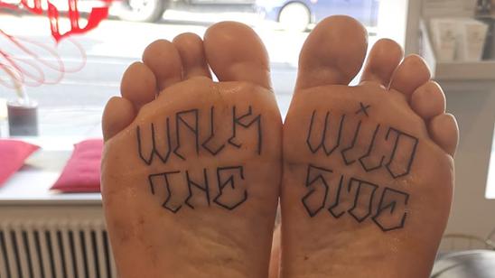 Voet tattoos kunne pijnlijk zijn